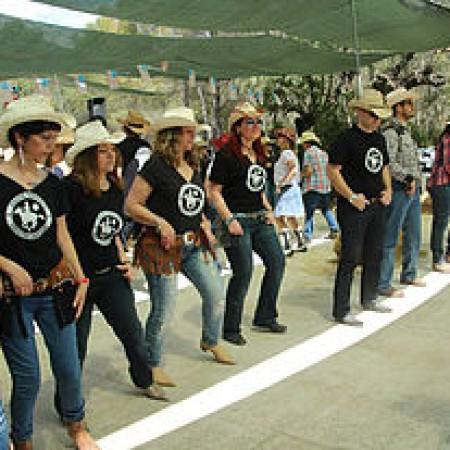 Baile country line dance valencia amigos valencia for Juzgado de catarroja